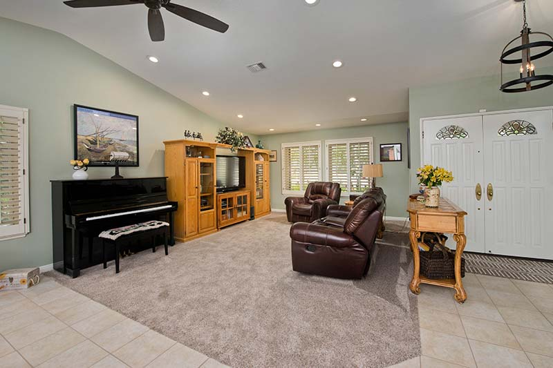 Living Room at 28362 Contessa Ave Saugus CA