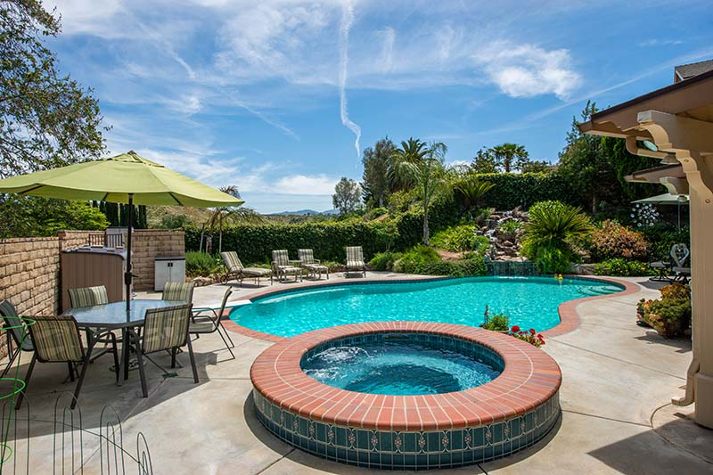 Pool and Hot Tub at 28362 Contessa Ave Saugus CA