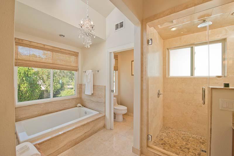 24005 Oak Vale Dr Master Bathroom