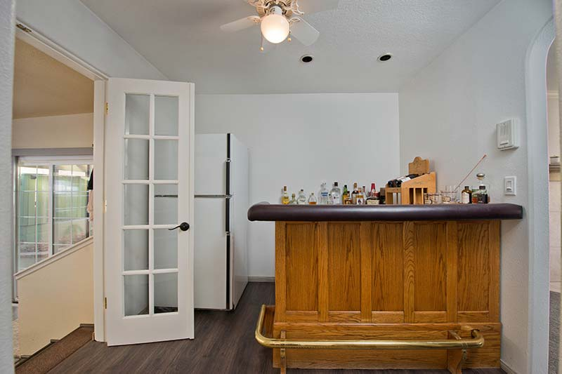 Bar at 16557 Canyon Lane in Canyon Country
