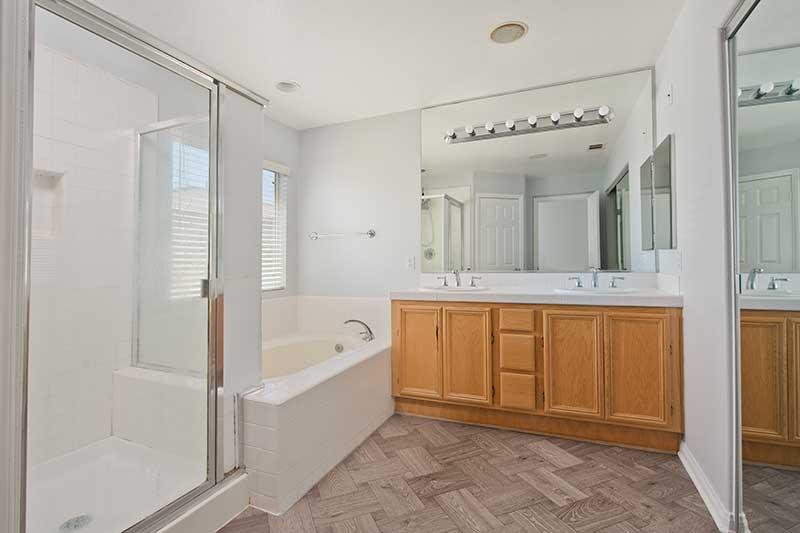 Primary Bathroom at 27909 Agapanthus Lane