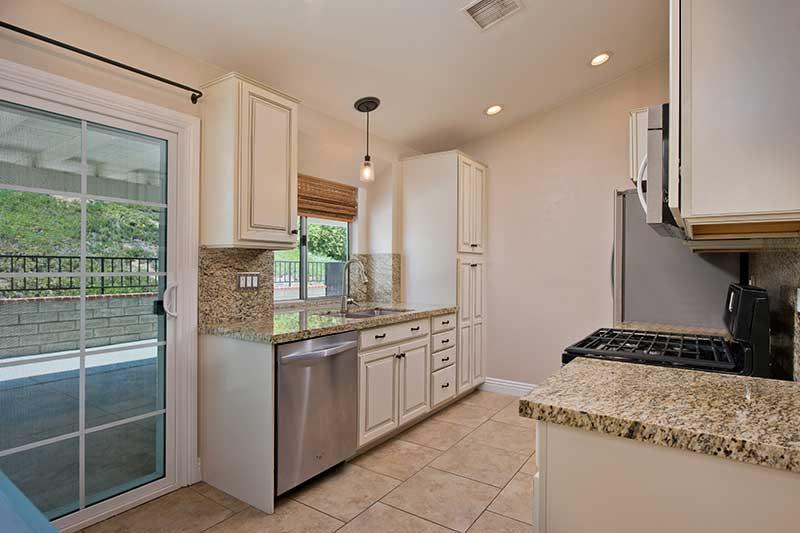 Kitchen at 28703 Raintree Ln